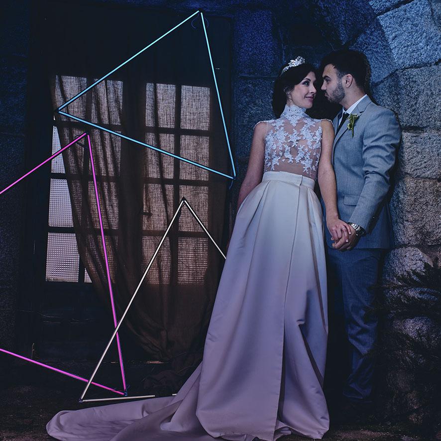 Neones triangulos